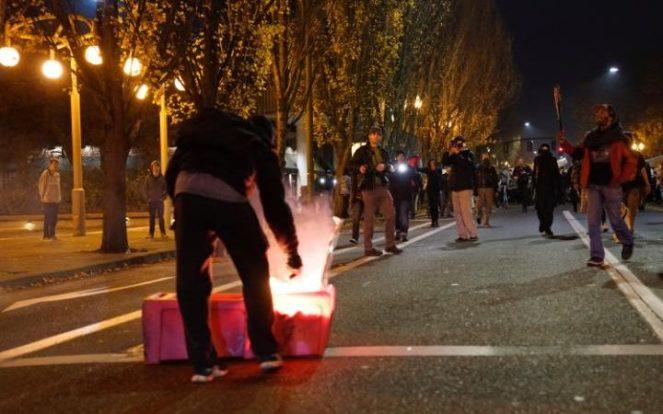 113426242_portland_riots-large_transecnbsb4t3tw7hrvcorlehcrvcespo9q8cgxt9moz6tm